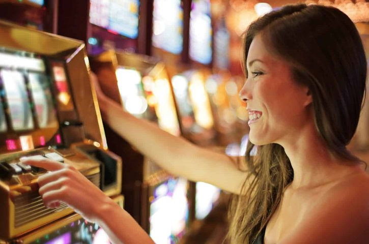 6 awesome advantages you will receive by playing online slot games